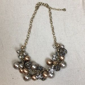 Loft sparkle pearl statement necklace